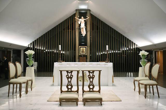 casamento real, rafaela e lucas, decoração verde e branco, áster, liziantus, igreja Nossa Senhora do Perpétuo Socorro, fé, noivos, religião, genuflexório