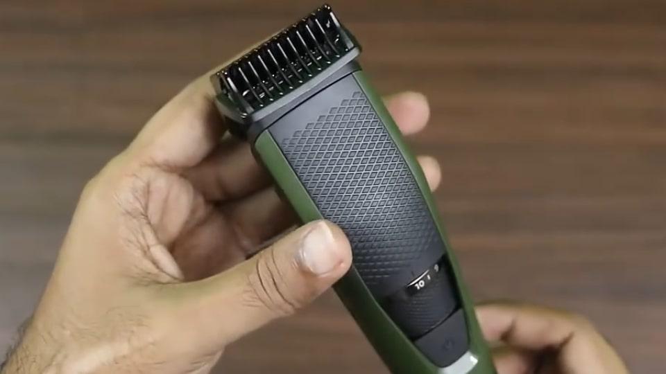 Phillips BT3211 trimmer for beard cut.