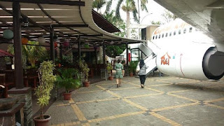 Taman Santap Rumah Kayu Ancol, makan di dalam kabin pesawat