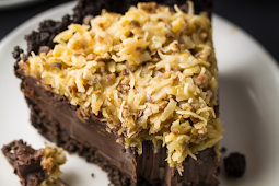 No-Bake German Chocolate Pie #desserts #cakerecipe #chocolate