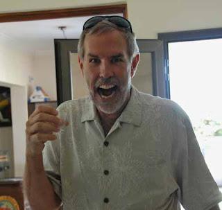 Wayne Dunlap Drinking Illegal Absenta Club del Oliva Mendoza argentina