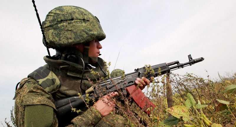 Tentara dan AK-47