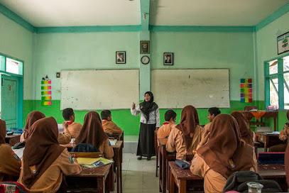Refleksi : Keinginan Dalam Menjawab Tantangan Yang Dihadapi Seorang Guru