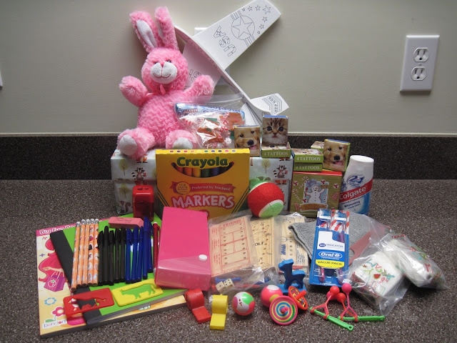 Operation Christmas Child shoebox gift for a 5 to 9 year old girl.