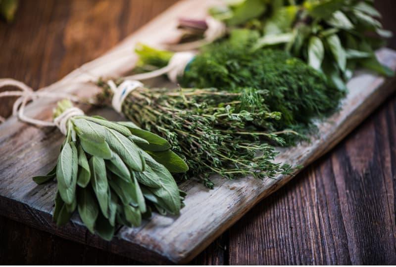 Ervas e suas propriedades, para uso na culinária, terapêutico e energético