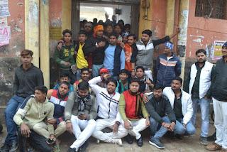 Jaunpur : चुनाव को लेकर छात्रों का क्रमिक अनशन तीसरे दिन भी जारी