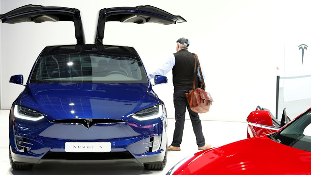 Tesla desarrolla un sistema de rayos láser para limpiar automáticamente el parabrisas y otras partes de sus coches