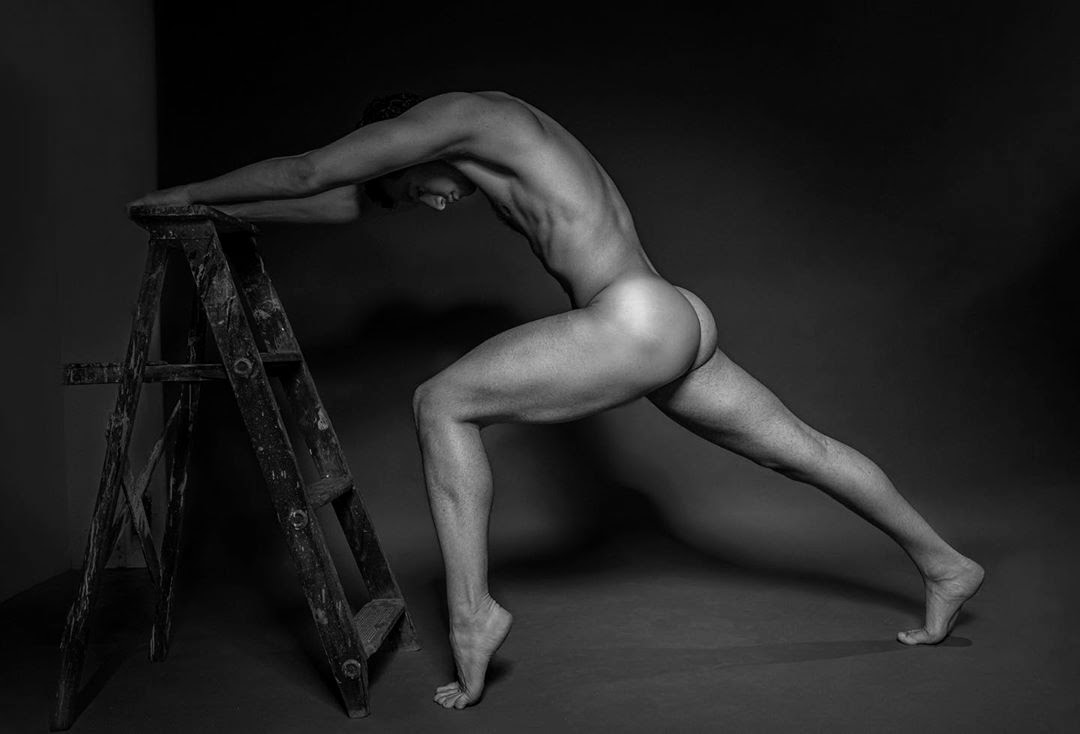 StretcH your MinD, StretcH your Mind!, by Giuseppe Canale (NSFW).
