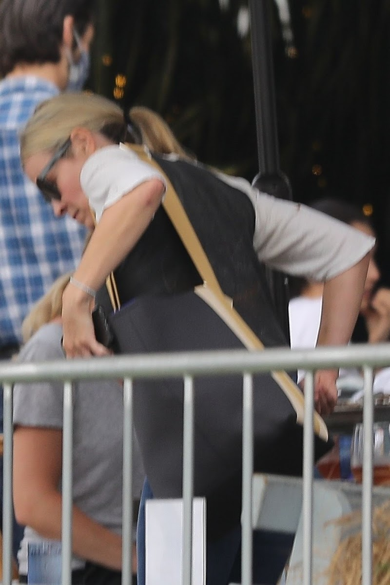 Chelsea Handler  Clicked at Blue Plate Oysterette in Santa Monica 16 Oct -2020