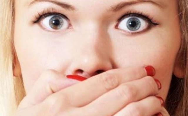 خدع قوية للتخلص من إصفرار الأسنان ورائحة الفم الكريهة