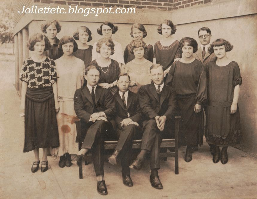 Shenandoah High School Class of 1922-23  http://jollettetc.blogspot.com