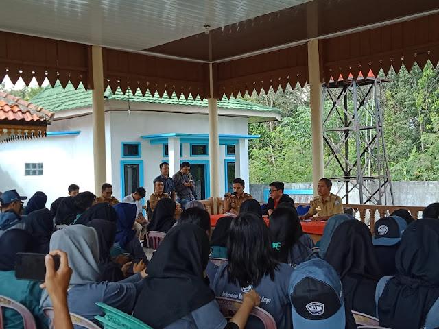Camat Blambangan Umpu Minta 109 Peserta KKN Unila Bisa Jaga Moral Selama Berada Di 7 Kampung dan 1 Kelurahan