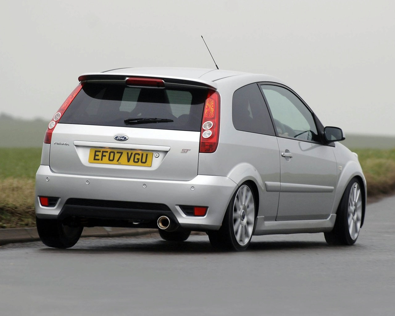 the world sports cars ford fiesta st interior. Black Bedroom Furniture Sets. Home Design Ideas