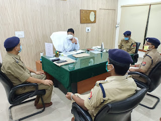 एसपी जौनपुर नय्यर ने पुलिस ऑफिस का किया निरीक्षण  | #NayaSaberaNetwork
