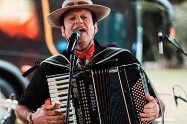 Morre Airton Machado, vocalista do Garotos de Ouro, em acidente aos 62 anos