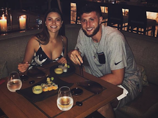 Jusuf Nurkic With His Girlfriend Png