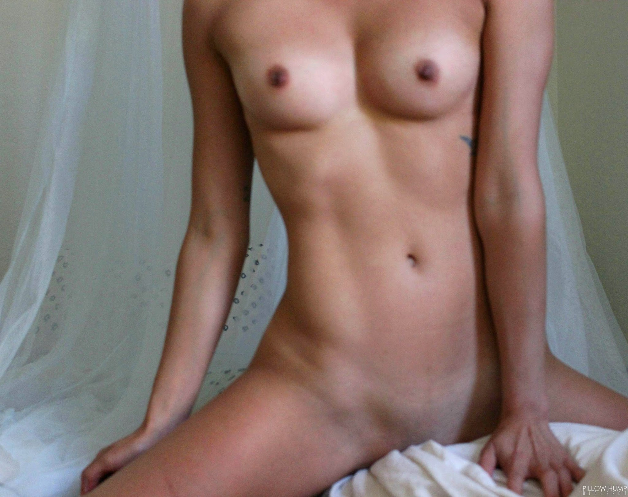 pillow hupping girl nude