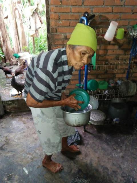 Kisah Haru Nenek yang Kena Tipu First Travel Hingga Allah Memberi Kabar Gembira