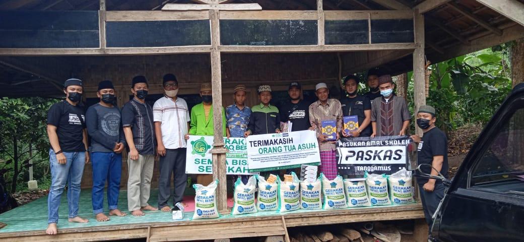 Paskas Tanggamus dan ACT Lampung Bagikan Beras dan Bantuan untuk Ponpes di Tanggamus