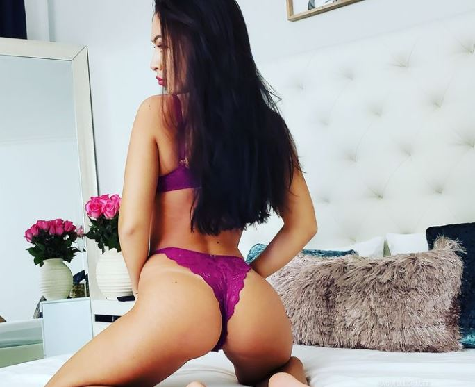 RaquelleGracee Model GlamourCams