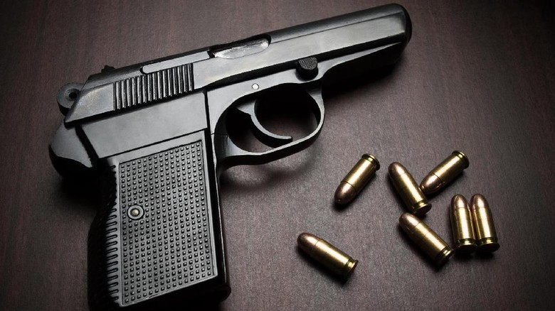 Apa yang Dimaksud Peluru Hampa dan Peluru Karet? Belajar Sampai Mati, belajarsampaimati.com, hoeda manis