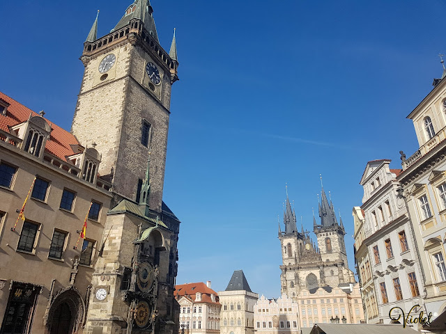 old town square astronomical clock