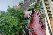 Luapan Air Banjir di Pekalongan Mirip Darah, Bukan Soal Mistis