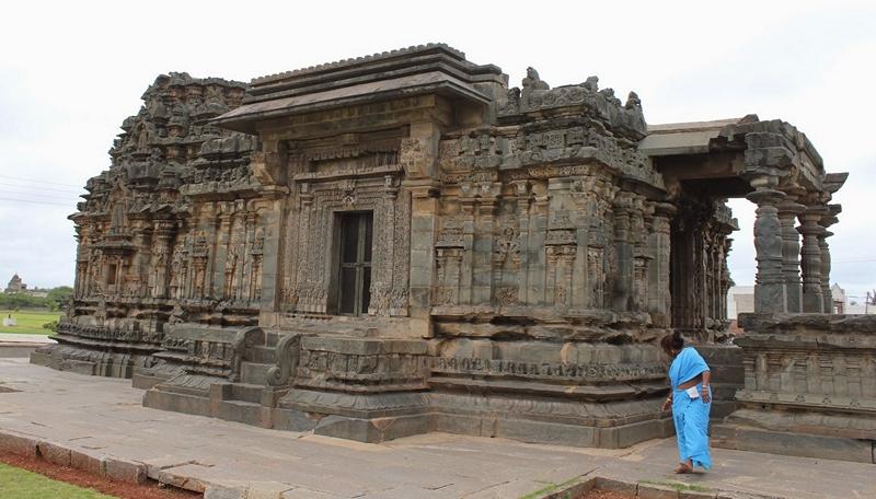Nanneshawara temple at Lakkundi, Karnataka
