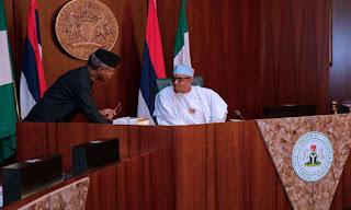 Buhari Jokingly Says Osinbajo May Lose His Position In 2019
