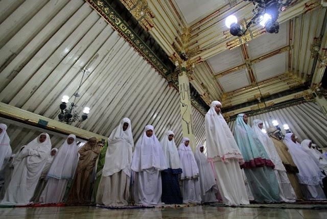 doa iftitah dan artinya yang mudah dihafal lengkap bahasa latin serta arab