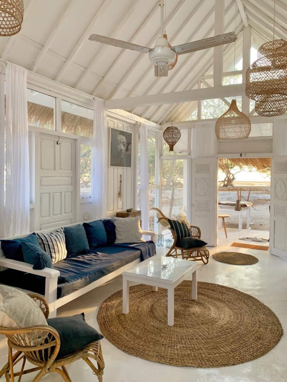 penginapan ada pantai pribadi di lombok