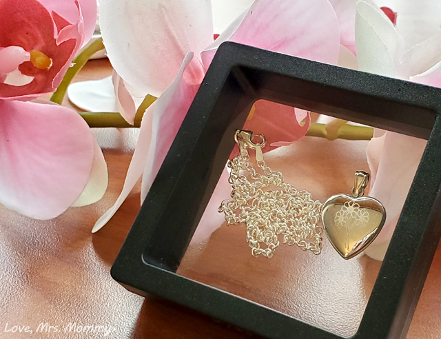 pictures on gold, heart locket, personalized jewelry, sterling silver jewelry