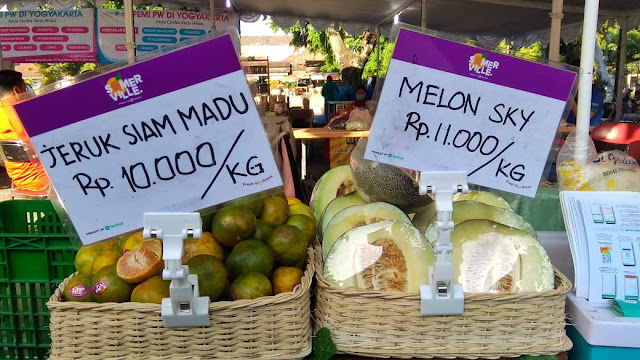 Buah-buahan Stan Tanihub Bazar UMKM Grebeg Lebaran