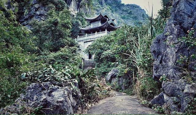"""Ở Ninh Bình cũng có """"Tuyệt Tình Cốc"""" ma mị như phim kiếm hiệp"""