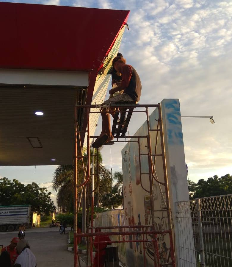 Gambar usaha penyewaan alat konstruksi atau proyek bangunan