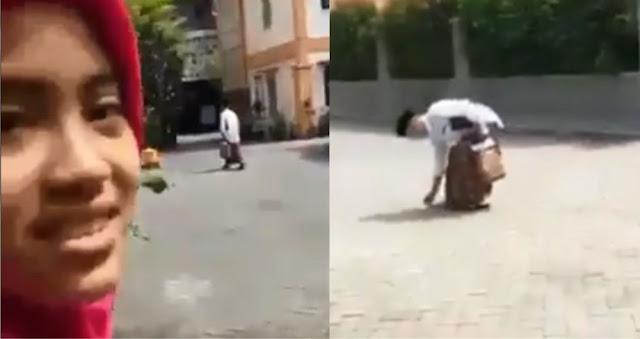 Video Gus Sholah Punguti Sampah Saat Direkam Secara Diam-diam Oleh Santri Putri