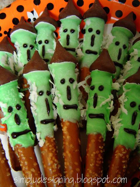 witch+pretzals 12 Spooktacular Halloween Kid Crafts 36