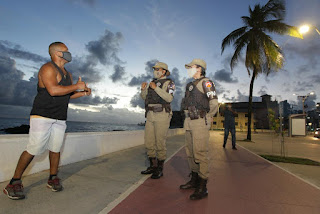 Bahia inicia vacinação das polícias e guardas municipais contra o coronavírus