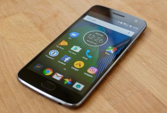 Layar Moto G5S Plus