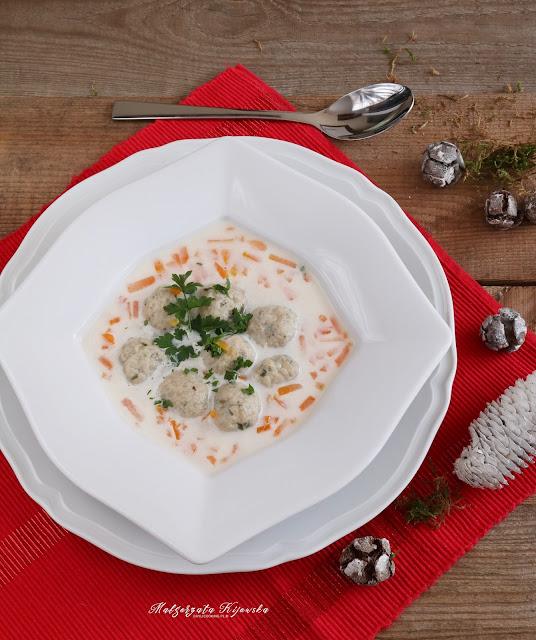 wigilijna zupa rybna, karp gotowany, zupa z karpia, pulpety rybne, daylicooking