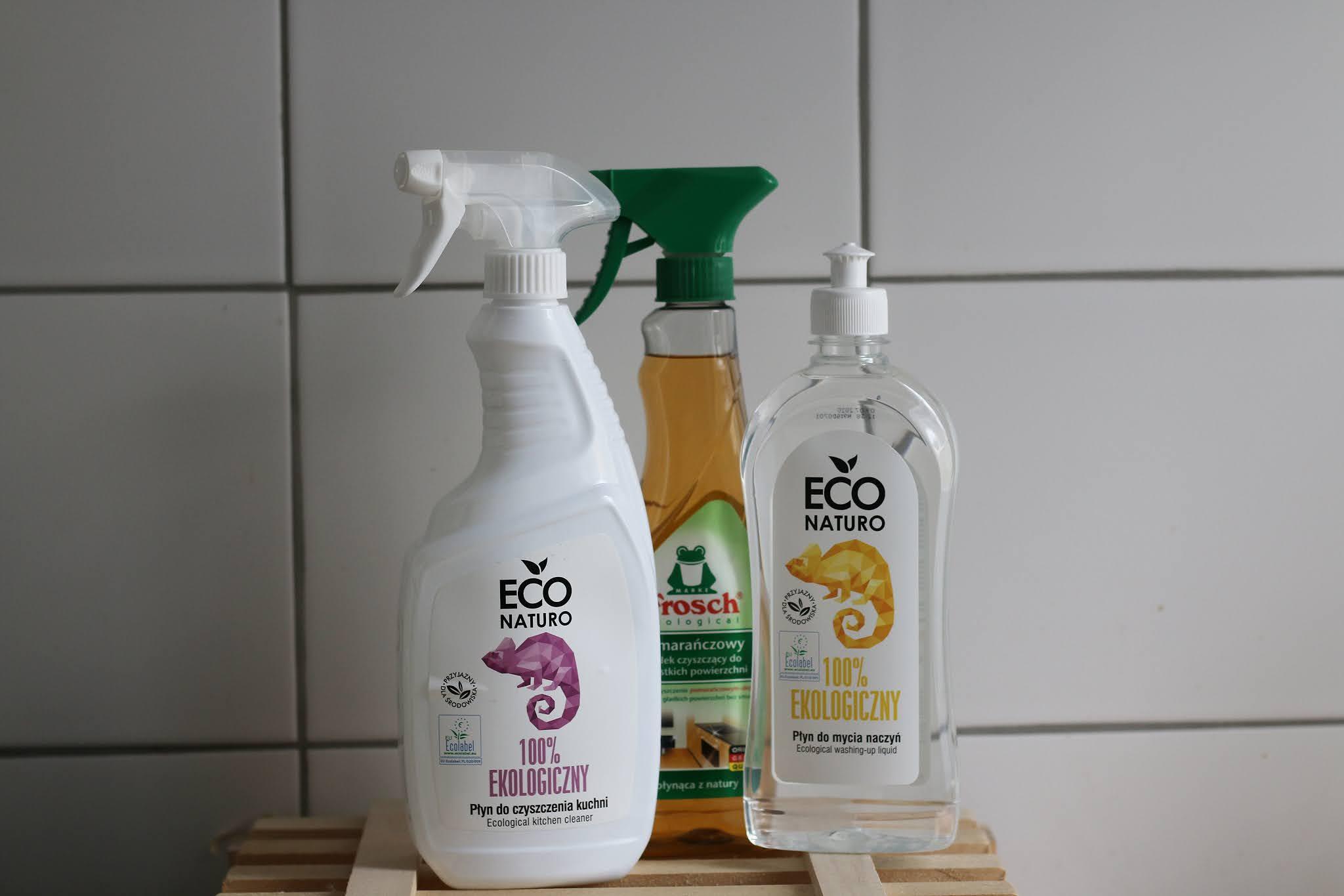 Ekologiczne sprzątanie mieszkania Bee