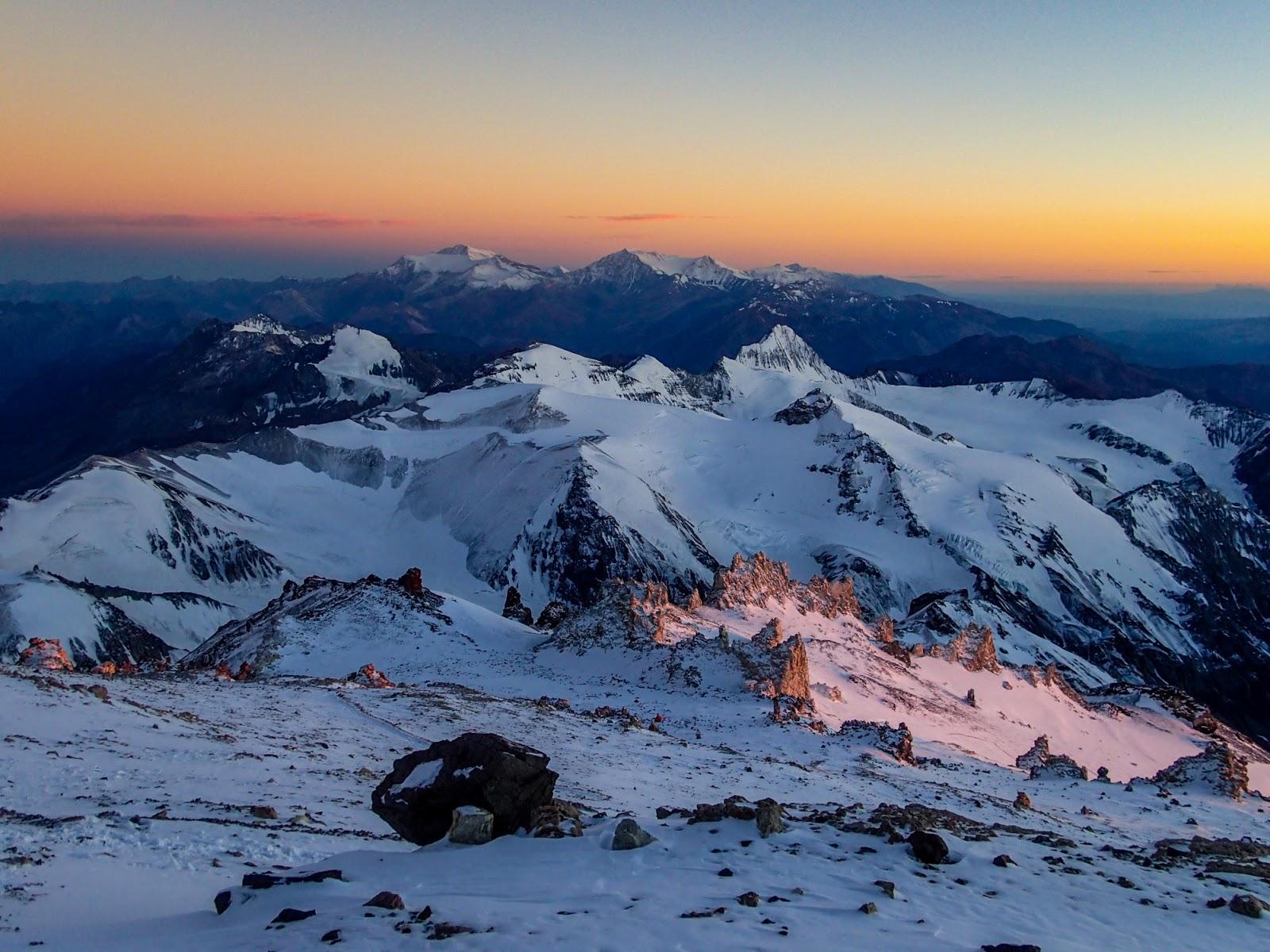 旅行日記: Day206 阿空加瓜攀登第八天(攻頂)