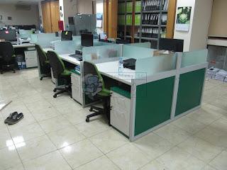 Meja Partisi Kantor 6 Orang Plus Kabinet + Furniture Semarang