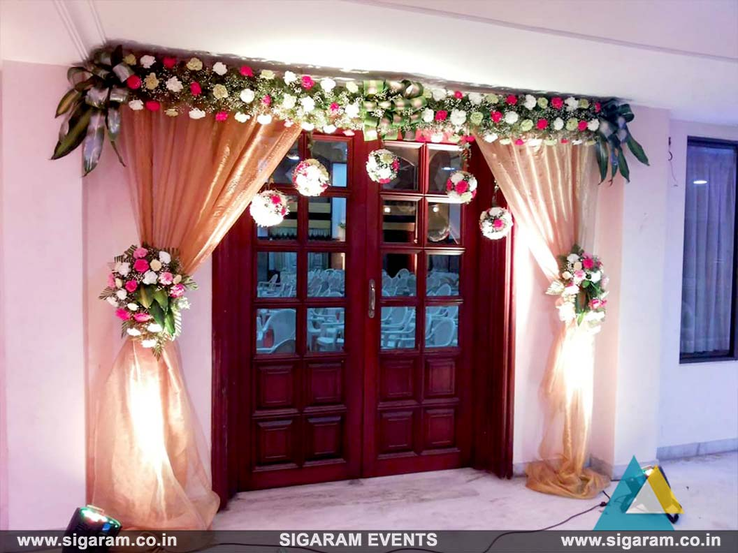 Wedding and reception entrance door decoration in pondicherry for brilliant entrance door decoration ideas you can refer the below pictures to get an idea of what you can do to make the entrance beautiful junglespirit Images