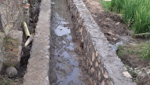 Pembangunan Irigasi P3A Karang Sari Berjalan Dengan Lancar