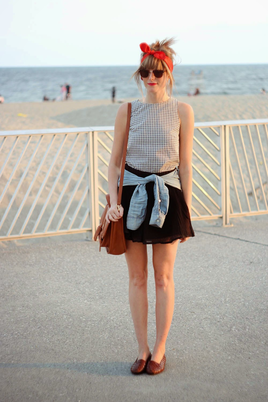 bow back shirt, forever 21 black skirt, nyc vintage blog, rockaway beach