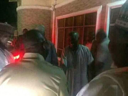APC Chairman Oshiomhole Visits R-APC Chairman At Night