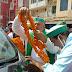 सिकंदरपुर जाते वक़्त नगरा बाजार में किसान नेता राकेश टिकैत का जोरदार स्वागत