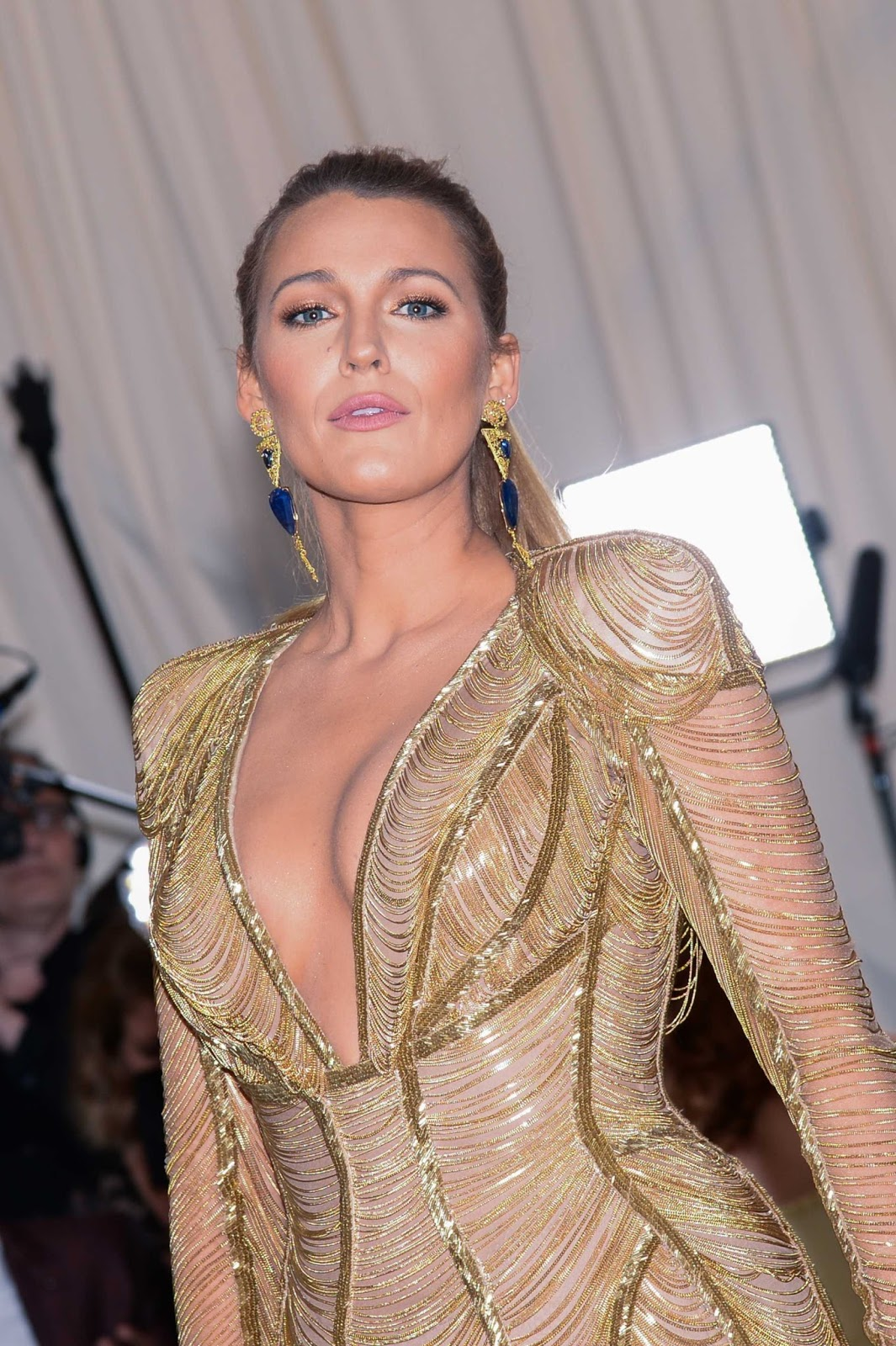 Blake Lively is a tropical goddess at the 2017 Met Gala