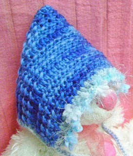 http://www.mazkwok.com/2013/09/free-crochet-pattern-autumn-cloud-baby.html